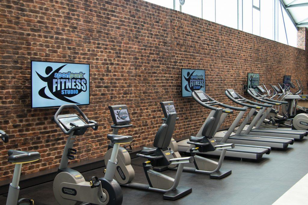 Cardio Bereich im Fitnessstudio des ALTERNATE Sportparks Linden