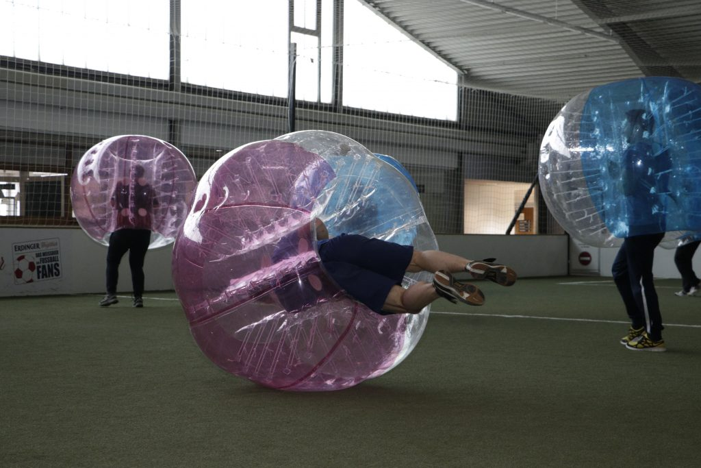 Bubble-Soccer im Altenate Sportpark Linden